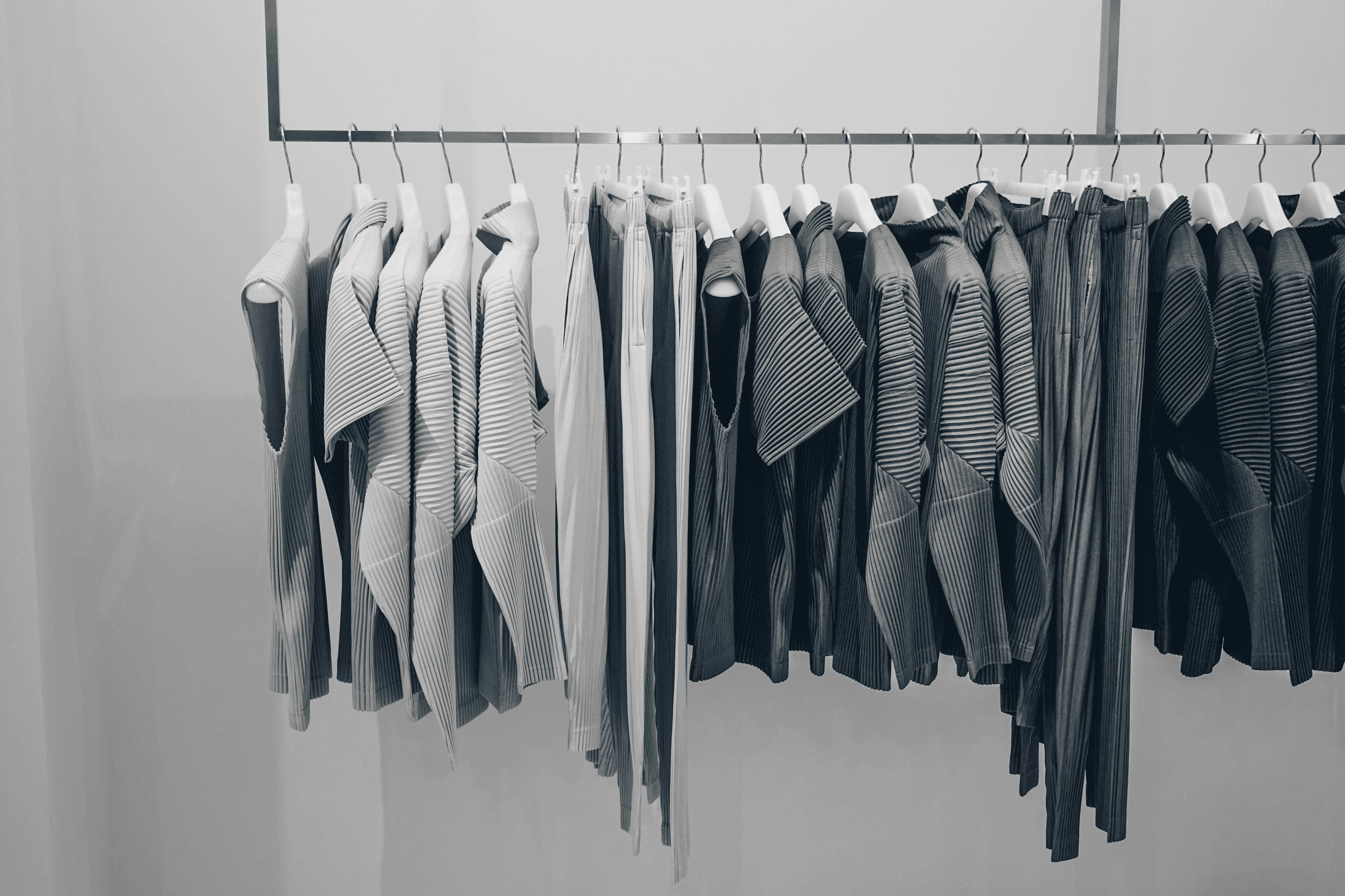 What is a minimal wardrobe